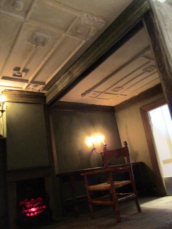 theinfill blog, theinfill dolls house blog – scratch build Georgian scenes - coaching inn upstairs